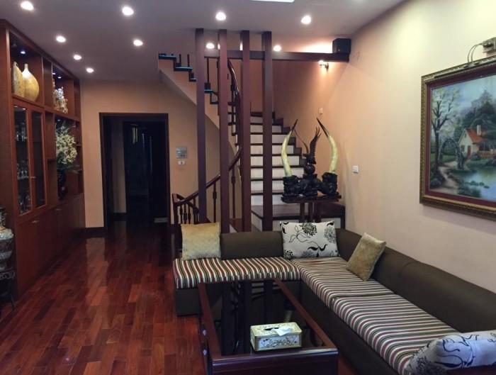 Bán nhà phân lô. Lô góc 3 mặt thoáng phố Hoàng Văn Thái, 40m2, 5 tầng, MT 4m.