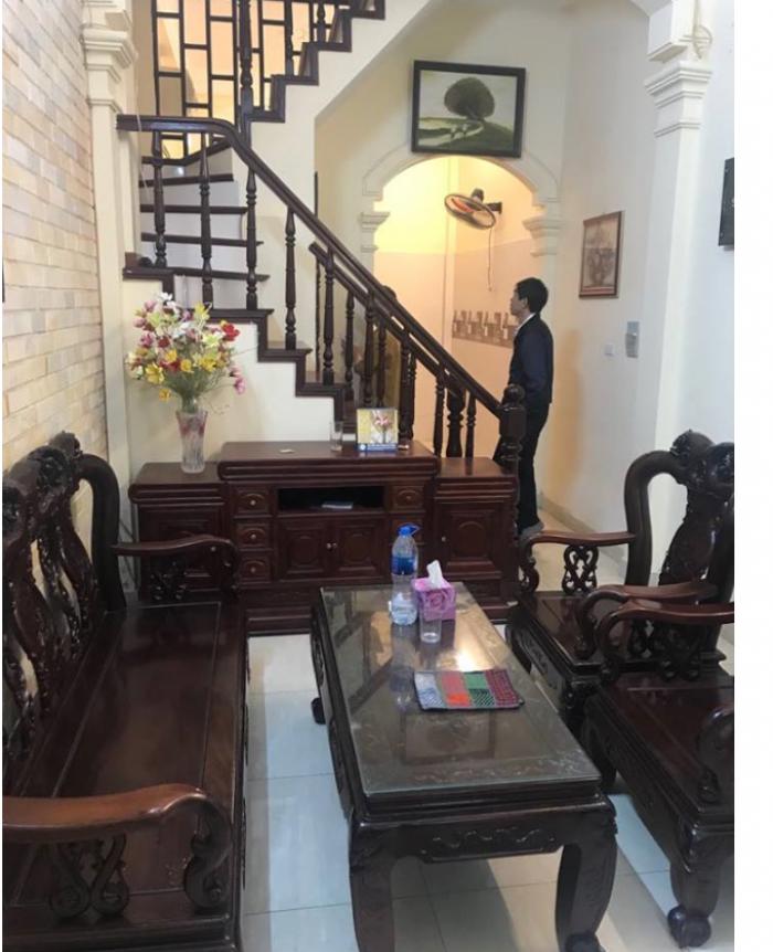Bán nhà đẹp về ở luôn phố Thịnh Quang - DT 40m2.