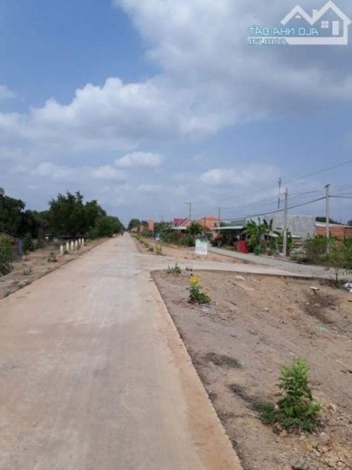 Bán 3400m2 đất ao vườn mặt tiền đường Bến Kè, cạnh trường cấp 1 và xã Thủy Đông, Thạnh Hóa, Long An