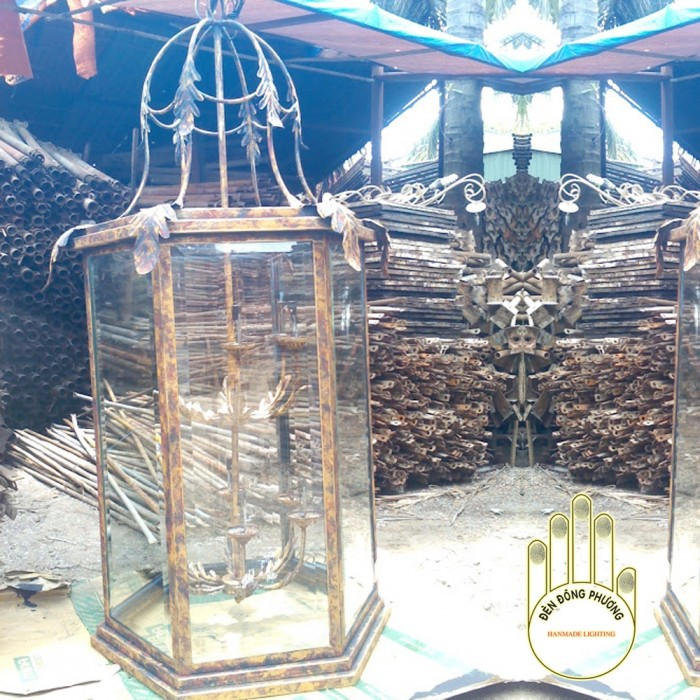 Đèn chùm sắt mỹ thuật đẹp, sang trọng, cổ điển mang đậm bản sắc Châu Âu