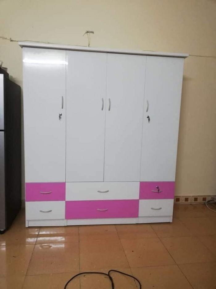 Tủ cao 180 ngang 160 sâu 45cm bao gồm 3 ngăn treo quần áo và 2 ngăn xếp.3