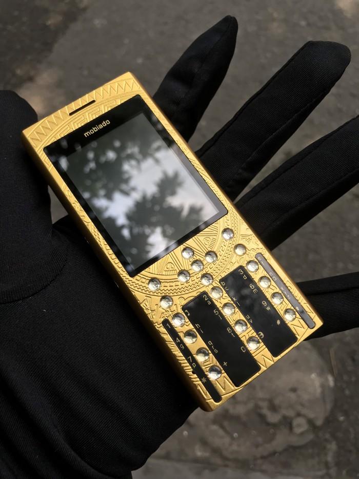Điện thoại Mobiado 3gcb phiên bản trống đồng giá rẻ1