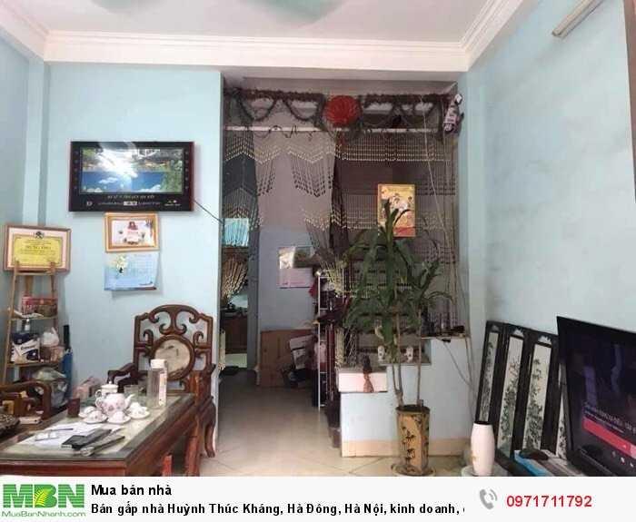 Bán gấp nhà Huỳnh Thúc Kháng, Hà Đông, Hà Nội, kinh doanh, ô tô đỗ.
