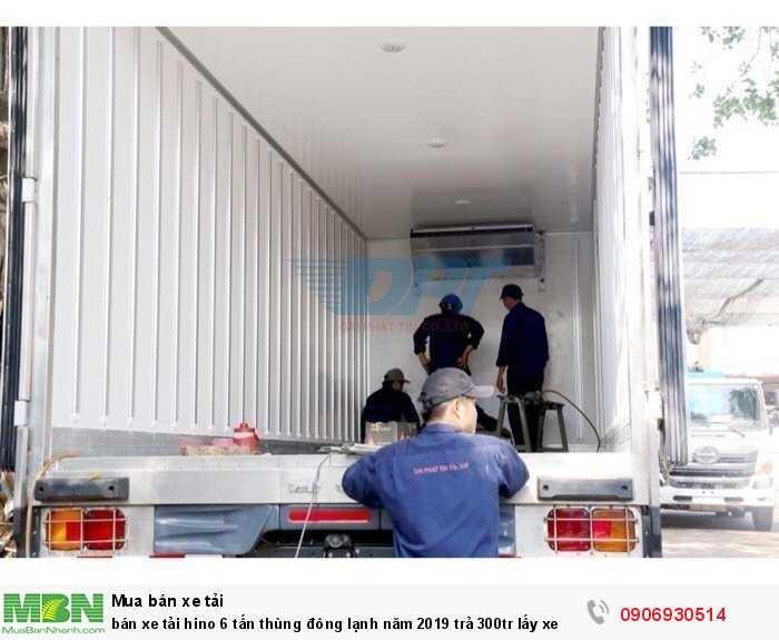 bán xe tải hino 6 tấn thùng đông lạnh năm 2019 trả 300tr lấy xe
