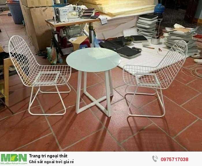 Ghế sắt ngoài trời giá rẻ