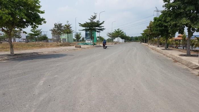 Bán Gấp miếng đất xã Phạm Văn Hai DT 150m2 giá 750tr, sổ chính chủ