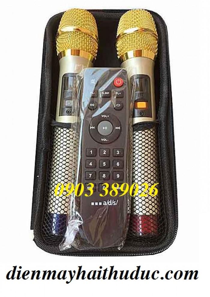 Trọn bộ gồm có: Loa TBG215L, 2 micro UHF không dây, hộp đựng micro, dây nguồn, remote, hướng dẫn sử dụng3