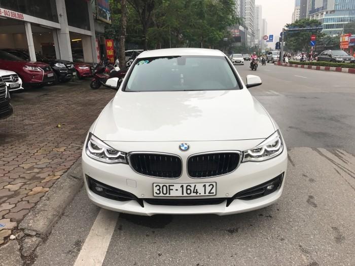 BMW 320i 2018 trắng