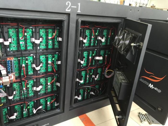 Trực tiếp lắp đặt, vận hành cho thuê màn hình Led P2.5