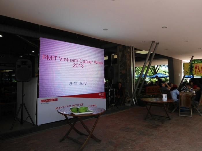 Lắp đặt màn hình Led P6 trong nhà - Màn hình Led Âu Lạc (Alta Media)