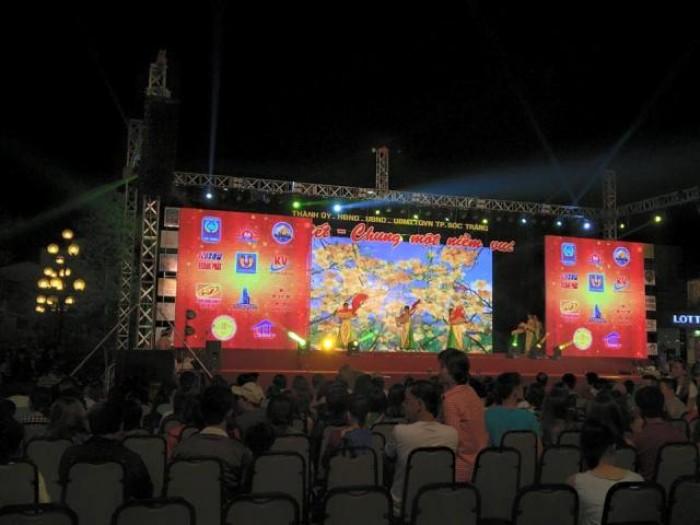 Cho thuê màn hình Led P14 ngoài trời tại các khu công nghiệp Bình Dương, Đồng Nai, Tây Ninh phục vụ chương trình sự kiện, âm nhạc