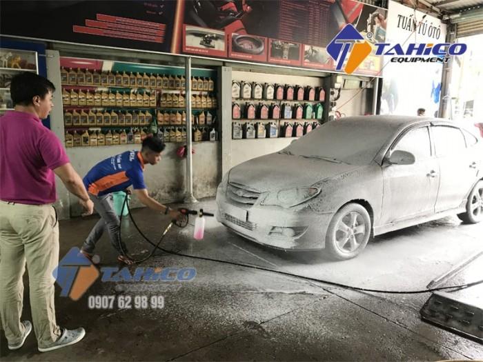 Dung dịch rửa xe không chạm Ekokemika Bio 200