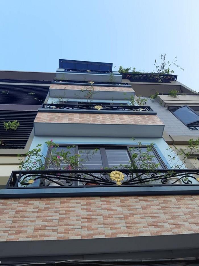 Bán nhà phân lô - ô tô vào nhà Nguyễn Chính 50m2, 5 tầng, Mt 4.2m giá giật mình