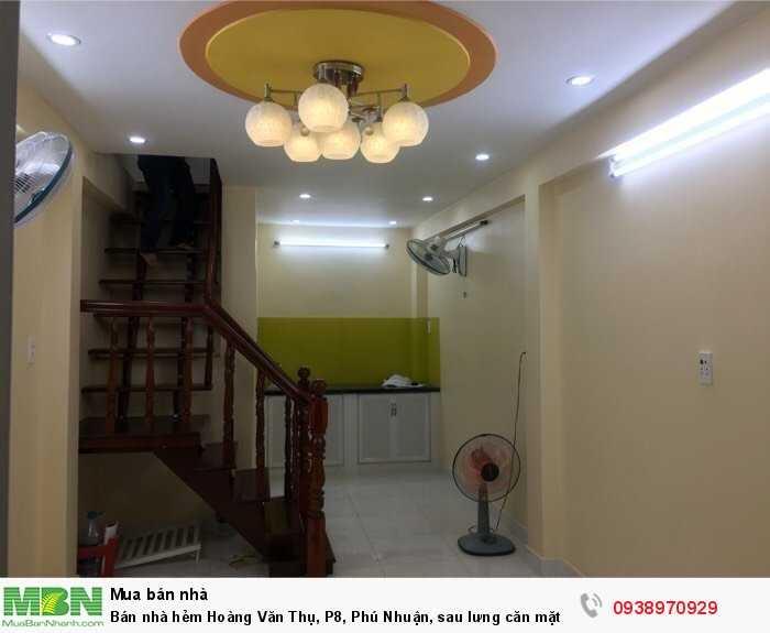 Bán nhà hẻm Hoàng Văn Thụ, P8, Phú Nhuận, sau lưng căn mặt tiền,