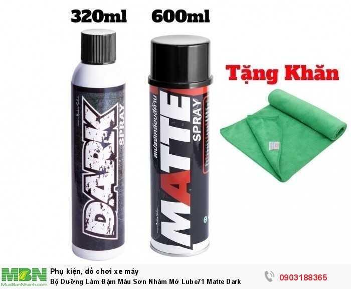 MATTE Spray (Xịt đậm màu dàn áo nước sơn mờ, nhám- chai lớn) Công dụng: Dưỡng và làm đậm màu dàn áo nước sơn mờ, nhám. Chống nước hiệu quả, chống trôi. Đặc biệt: Tạo hương thơm độc đáo.Tạo hiệu ứng lá sen. Dễ dàng làm sạch, làm trôi bùn đất bụi bẩn dính lên bề mặt đã sử dụng Matte. Làm đen/ đậm màu lốc máy có nước sơn đen, pô xe màu đen nhám, heo dầu. Kim loại/ sườn xe, ghi đông, bánh mâm vành xe, ống lòng phuộc, nhựa nhám, cùm công tắc, gác chân, bọc nhựa dây điện... HDSD: Xịt nhẹ phun sương đều Matte lên bề mặt cần dưỡng và làm đậm màu. Lau đều, tán rộng dung dịch ra đến khi bề mặt đậm màu và trơn láng.