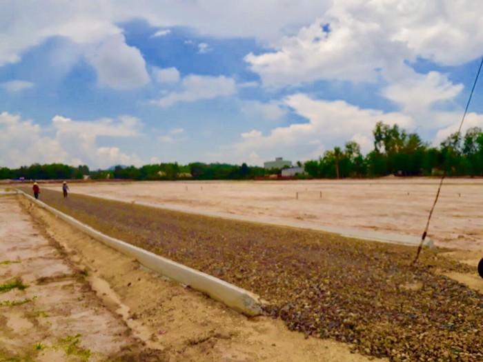 Bán đất ngay trung tâm Hắc Dịch giá từ 500tr-700tr SHR