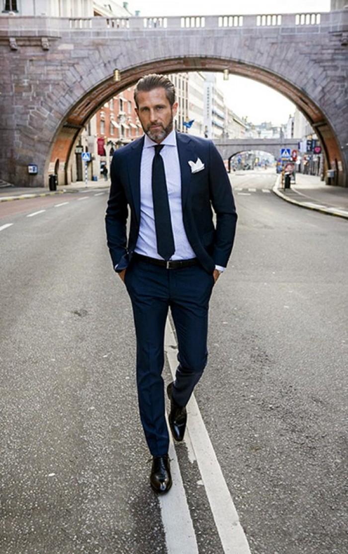 Dễ dàng kết hợp cùng quần jeans, kaki, áo sơ mi, áo thun, nhằm mang lại vẻ ngoài lịch thiệp và sang trọng cho đấng mày râu.0