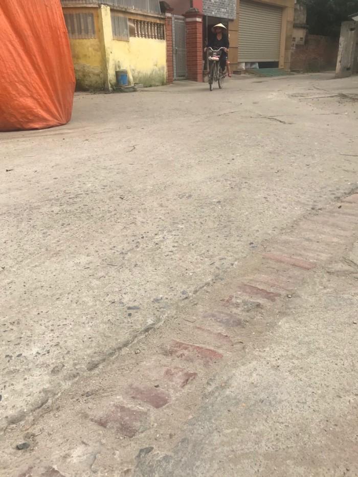 Bán đất Đặng Xá, Gia Lâm ô tô đỗ cửa, diện tích 42m2 giá 30tr/m2.
