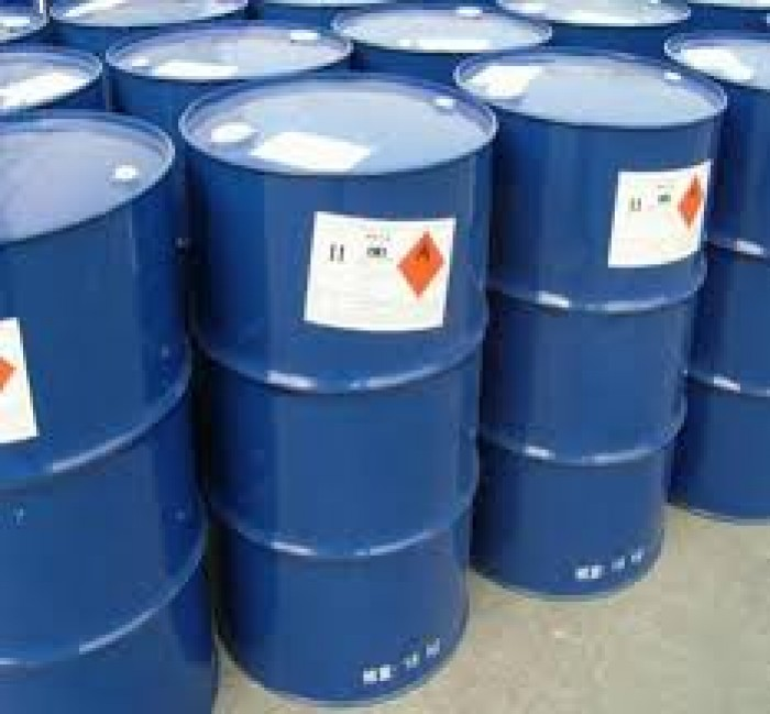 ETHYL ACETATE- C4H8O2 Ethyl acetate (có tên hệ thống Ethyl ethanoate được viết tắt là EtOAc hay EA) là hợp chất hữu cơ có công thức CH3COOCH2CH3, là chất lỏng không màu có mùi ngọt đặc trưng và được sử dụng trong keo dán, chất tẩy sơn móng tay, và trong thuốc lá. EA là một ester của Ethanol và acid acetic, được sản xuất quy mô lớn dùng làm dung môi.3
