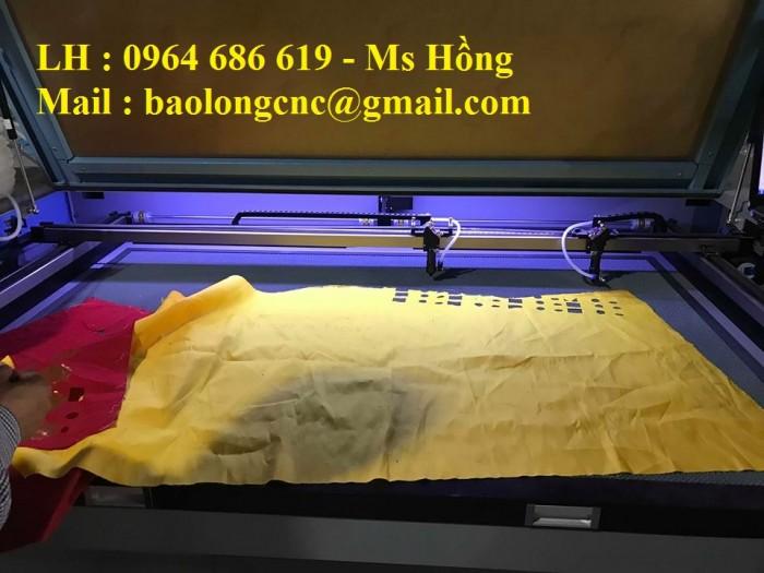 Máy laser cắt vải 2 đầu năng suất nhân đôi cho ngành dệt may1