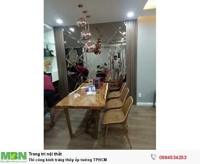 Thi công kính trang trí ốp tường phòng bếp