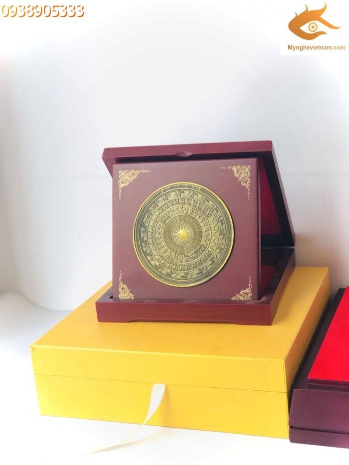 Đĩa quà tặng hộp gập mặt trống đồng2