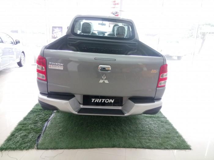 Mitsubishi Triton 4x2 AT giá tốt khuyến mại lớn 4