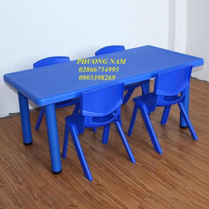 Bàn ghế cho trẻ mầm non2