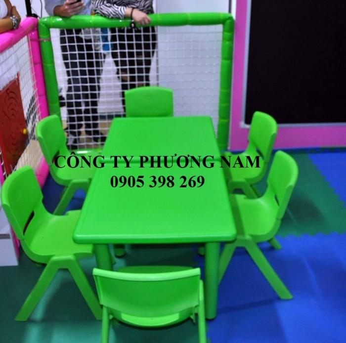 Bàn ghế cho trẻ mầm non0