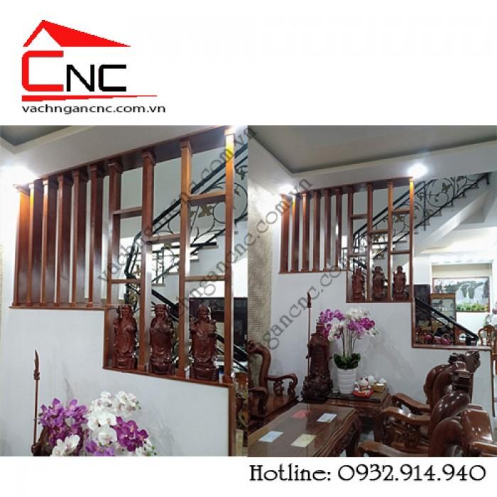 Thi công vách ngăn giữa phòng khách và cầu thang với mẫu đẹp tại KDC Vạn Phúc