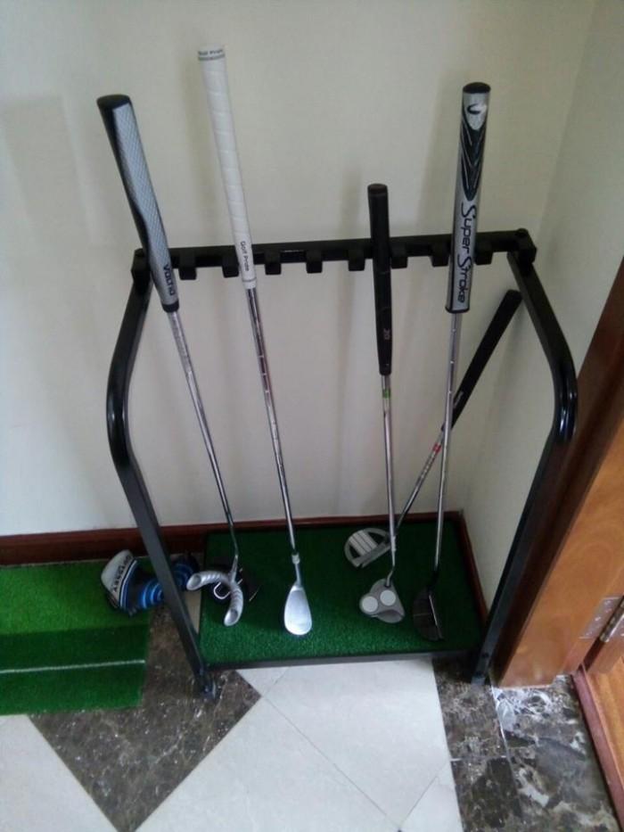 Giá để gậy golf có đế cỏ4