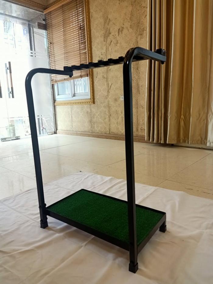 Giá để gậy golf có đế cỏ1