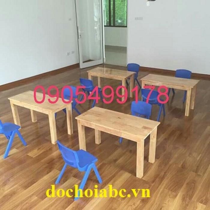 bàn ghế gỗ mầm non tại quy nhơn6