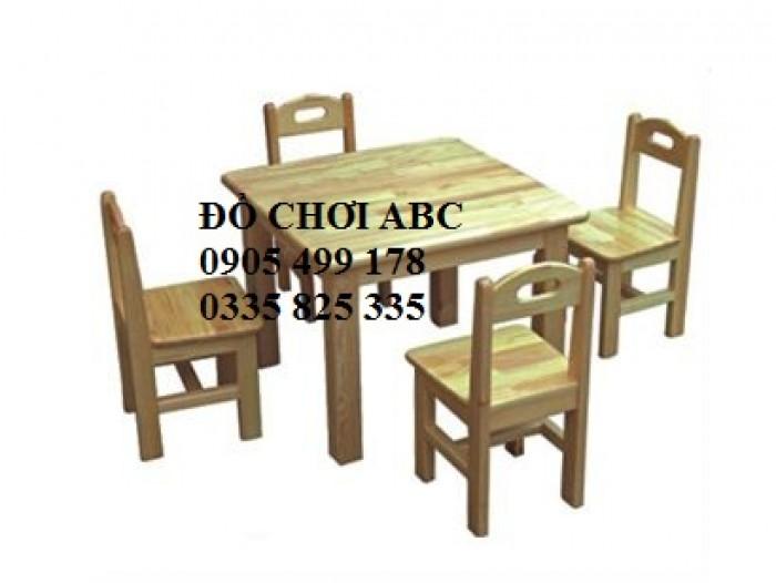 bàn ghế gỗ mầm non tại quy nhơn9