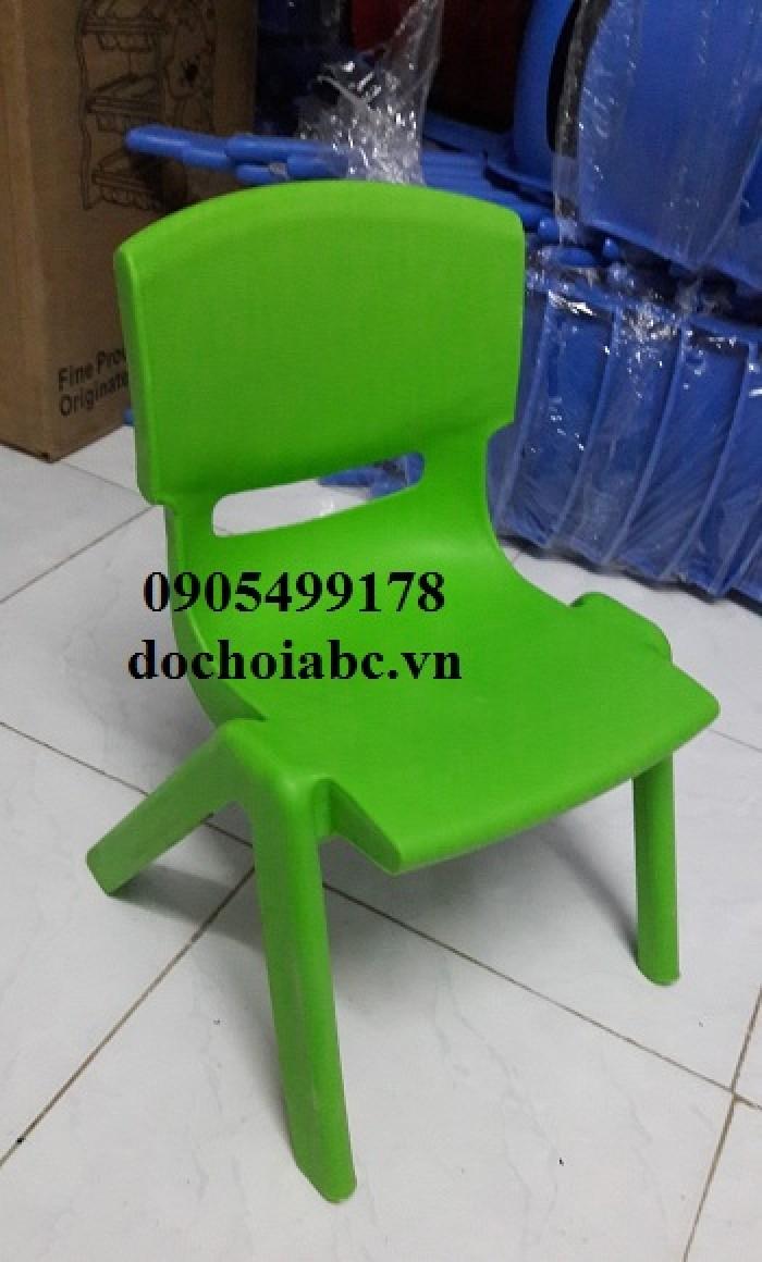 ghế nhựa đúc mầm non giá rẻ0