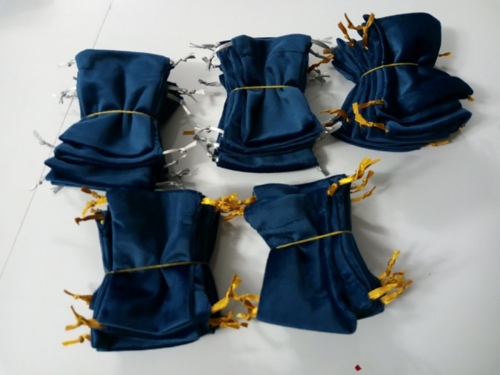 Sản xuất túi rút đựng quà