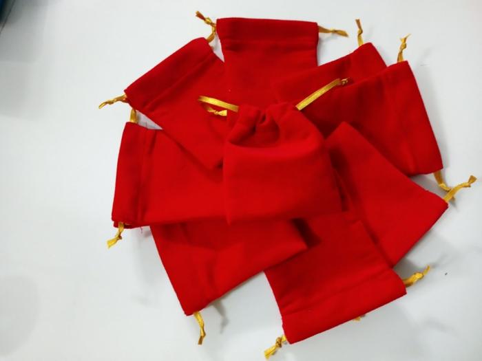 Sản xuất túi rứt đựng vàng