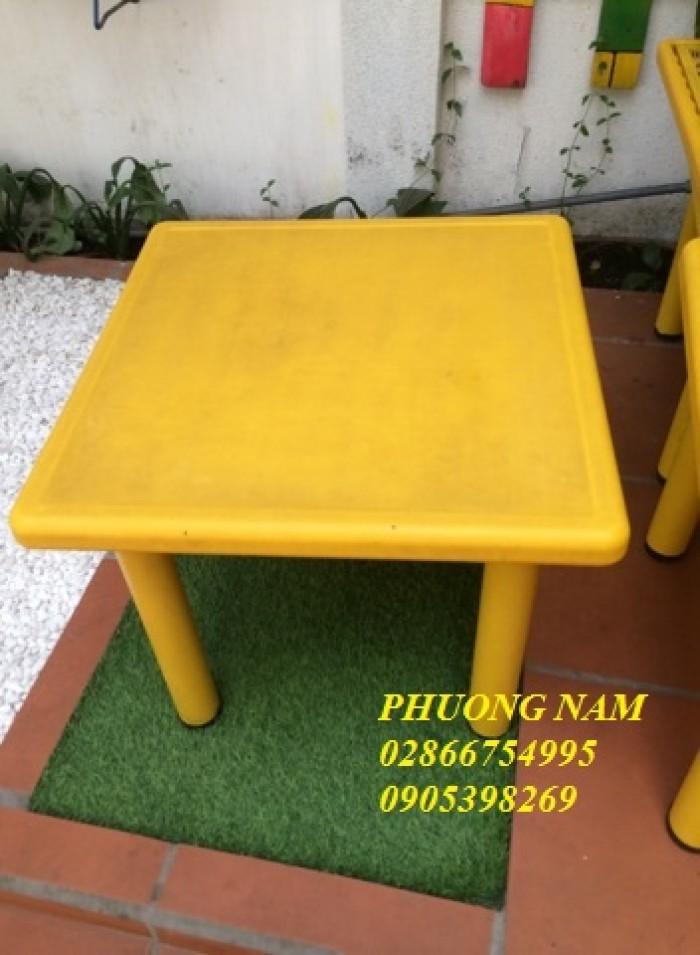 Bộ bàn ghế vuông cho bé0