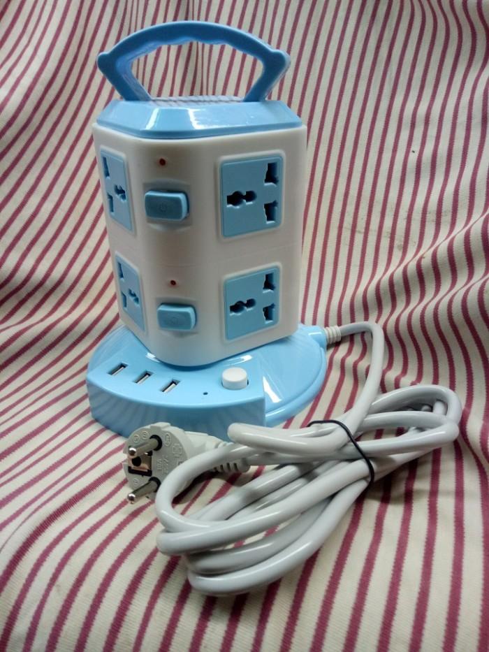 Ổ cắm điện 2 tầng loại XỊN 3 USB sạc điện thoại và 8 lỗ cắm0