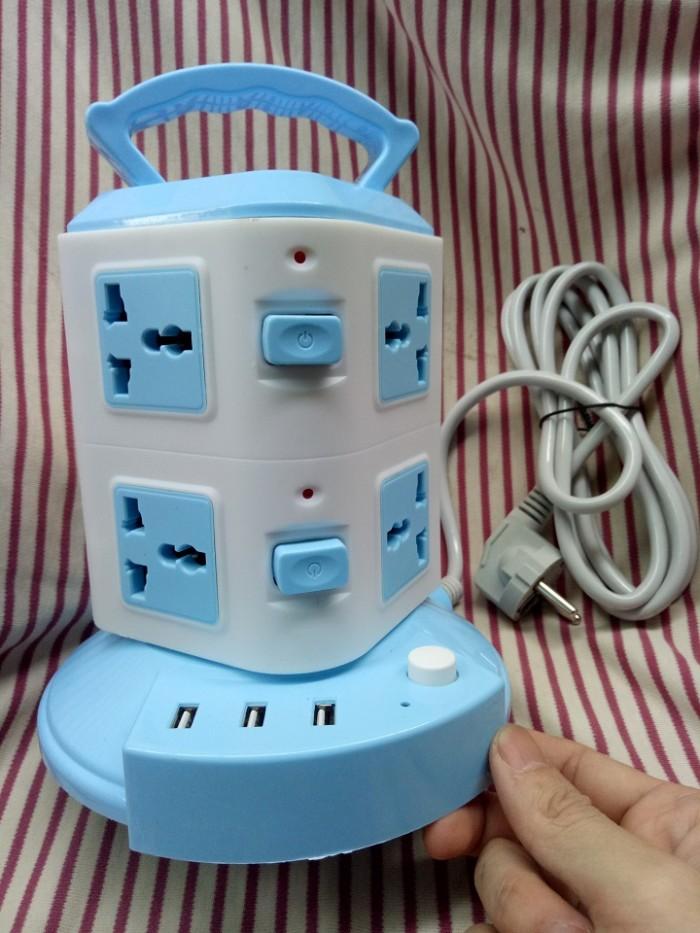 Ổ cắm điện 2 tầng loại XỊN 3 USB sạc điện thoại và 8 lỗ cắm1