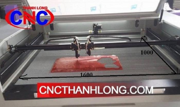 Máy laser tự động cuộn vảii, máy laser 1610- 2 đầu cắt, hướng dẫn chạy máy laser cắt vải1