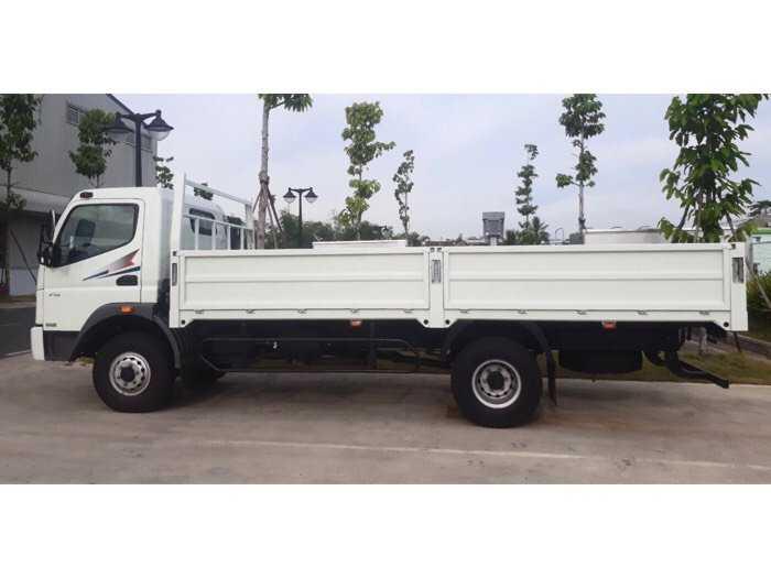 Xe tải Thaco Mitsubishi Fuso FA 5,5 tấn thùng 5,9m