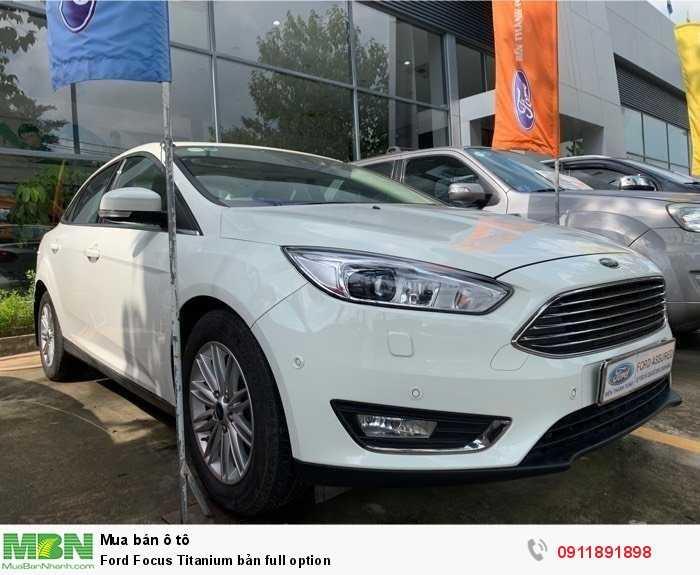 Ford Focus Titanium bản full option