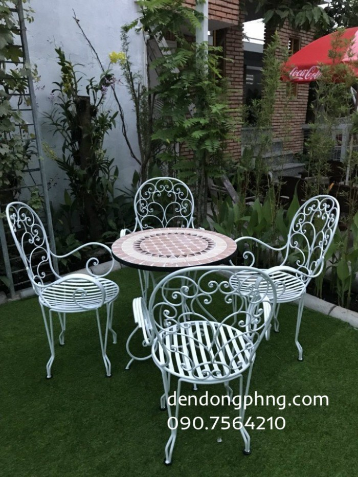 Bàn ghế sắt sân vườn giá rẻ0