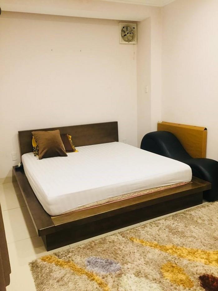 Bán khách sạn MT Phan Xích Long. 5x20m có 4 lầu, giá 25.5 tỷ .