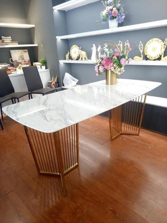 Bộ bàn ghế ăn chân Inox mạ titan vàng mặt đá2