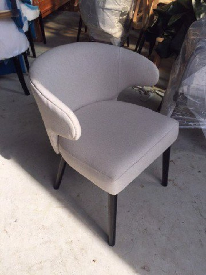 Bộ bàn ghế ăn chân Inox mạ titan vàng mặt đá1