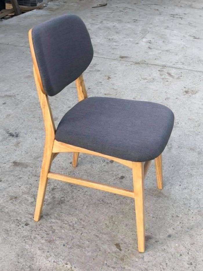 Thanh lý ghế gỗ cafe bọc nệm0