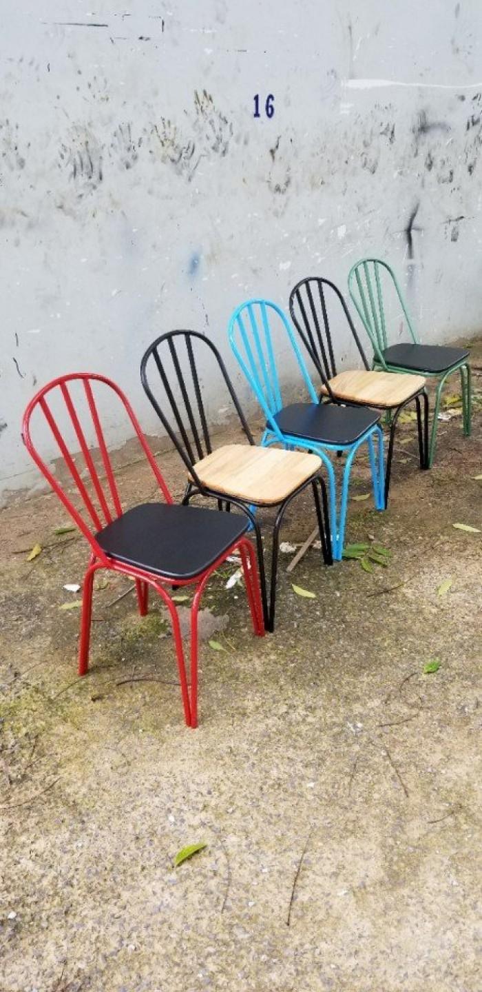 Thanh lý ghế sắt mặt gỗ giá rẻ