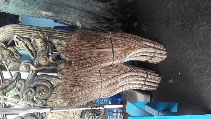 Chổi cọng dừa nước cán lóng nặng 650gr dài: 120cm rộng: 70cm6